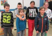 Die Siegerinnen und Siger und Zweitplatzierten des diesjährigen Vorlesewettbewerbes.