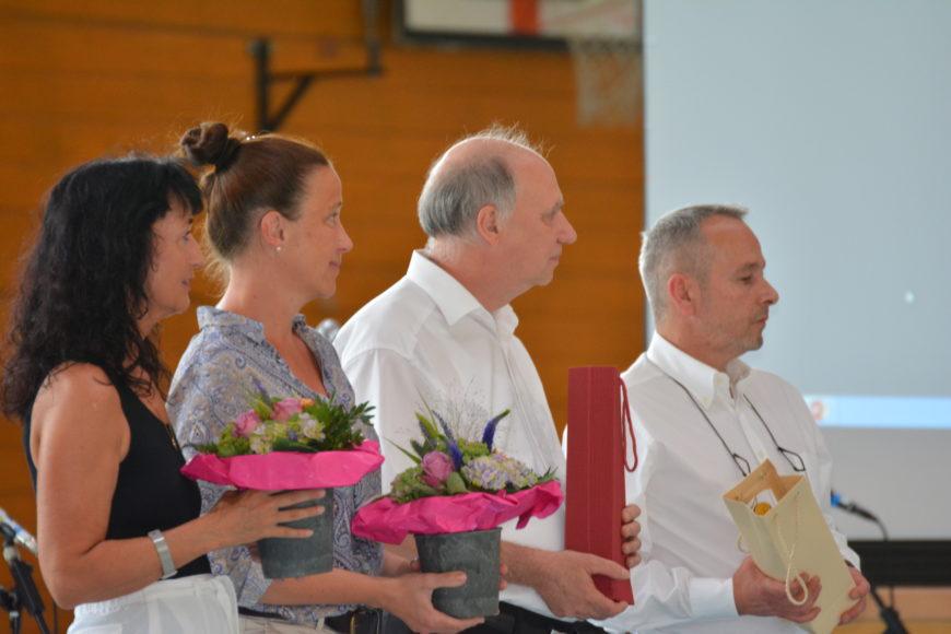 Die Lehrkräfte der Abschlussklassen: (v.l.n.r.) Frau Johanna Knüpf-Burdich, Frau Miriam Schreiber, Herr Ralph Boese, Herr Joachim Wilhelm Devaux
